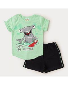 Conjunto Verão Bebê Menino Camiseta Verde Tubarão Bermuda Preta