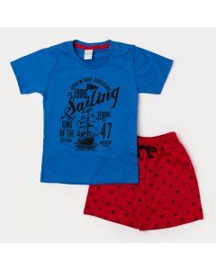 Conjunto Infantil Masculino Camiseta Azul Navio e Bermuda Vermelha Estampada