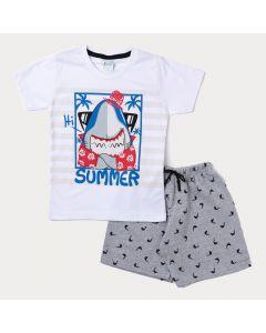 Conjunto de Verão Bermuda Infantil Cinza e Camiseta Masculina Branca Tubarão