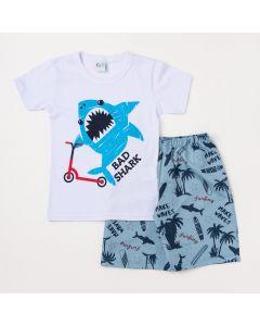 Conjunto Masculino Infantil Camiseta Branca Tubarão e Bermuda Azul Estampada