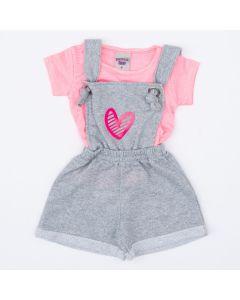 Jardineira Cinza Coração e Blusa Rosa Listrada para Bebê Menina