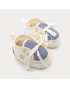 Sapatinho de Bebê Menina Marfim com Detalhe Jeans